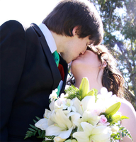 Wedding Kiss ID by Shadi-Carcer