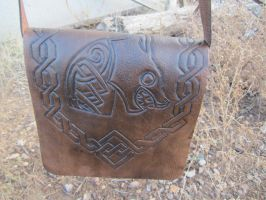 Dwarven Dragon Slayer Messenger Bag. by SnowyMountainLeather