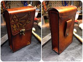 Leather Zelda pouch by Skinz-N-Hydez