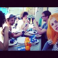 Hayley eats lunch by VICINITYOFOBSC3NITY