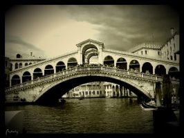 Rialto Bridge by Chatterly
