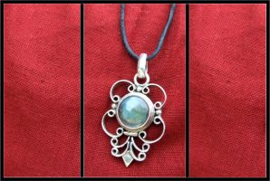 Pendant of thy soul by PhilipCapet