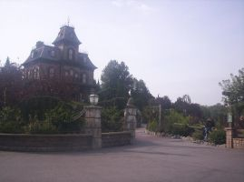 Disneyland Paris - Phantom Manor -19- by Maliciarosnoir-stock
