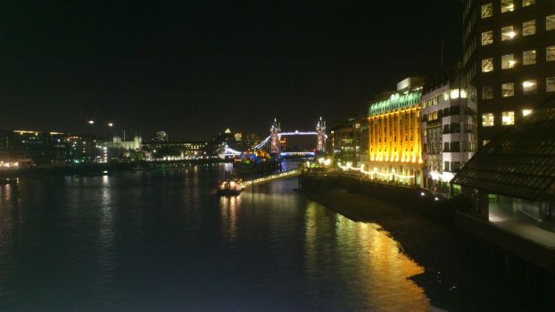 London - Tower Bridge - Nightview by zee2abc1