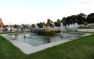 Water features at Jardins du Trocadero by EUtouring