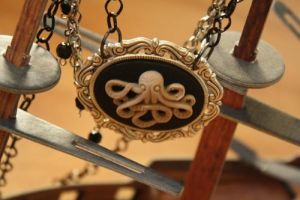 Octopus Pirate Coutoure Cameo by Feltbetterplush