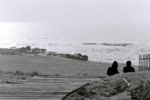 Lovers by the sea by ad-lucem