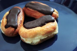 Chocolate Eclairs by munchinees
