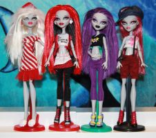 We used to be Ghoulia by rainbow1977