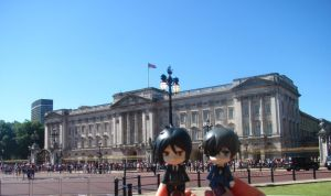 Ciel and Sebastian near the Buckingham Palace. by Melkpso