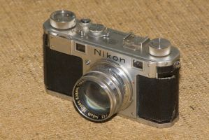 Nikon_M_by_luizfrds.jpg