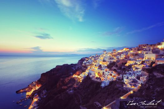 Sunset in Santorini by IsacGoulart