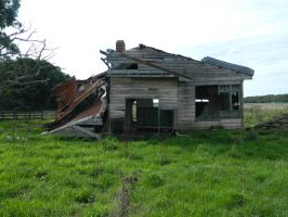 Derelict House 002 - HB593200 by hb593200