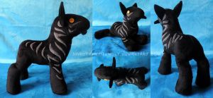 [PLUSHIE] Nightmare (Rise of the Guardians) by ShiroTheWhiteWolf