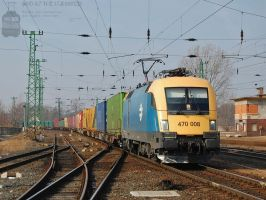 470 008 with freight in Komarom in february, 2012 by morpheus880223
