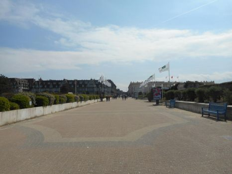 Deauville (ma vie) by DimLordofFox