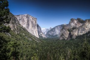Yosemite's Valley by CryptikFox
