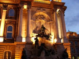 Budapest 16 - Statue by pingvin66666