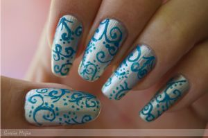 hand made swirl nail art by yuki365