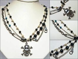 Punk Skull Necklace by uenkii