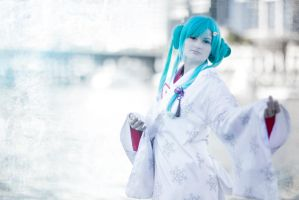 2013 Snow Miku by PeachyPenguin