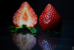 Strawberry 2 by annamorphic