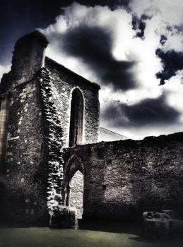Valle Crucis Abbey by minbean