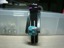 Enderman with Diamon Block by MEWtube3000