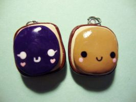 peanut butter and jelly charms by cutieexplosion