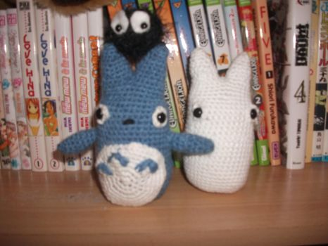 Totoro's Family by Mister--P