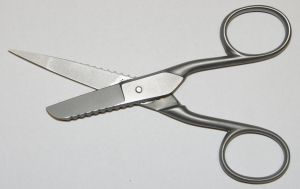 Emergency Scissors by nohair