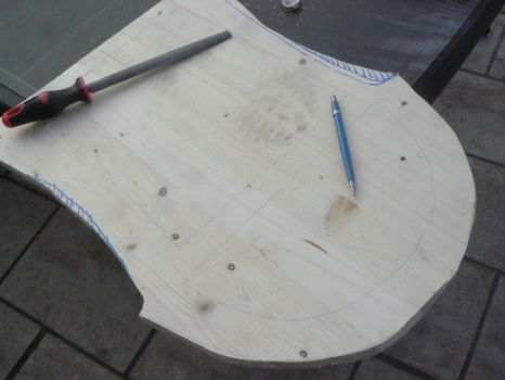 Lyre project (WIP) part 4 : cutting the shape by daraen1986