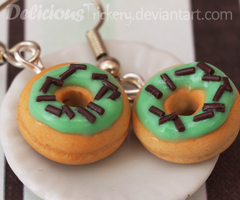 Mint Chip Donuts by DeliciousTrickery