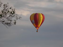 Hot air balloon by EVArmstrong