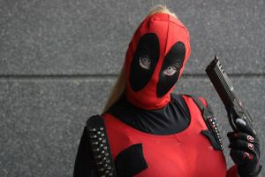 Lady Deadpool by versidian