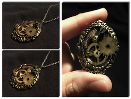 Steampunk pendant by Ange1922