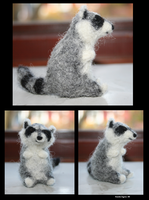 Needle felted - Racoon by Wolfmjau