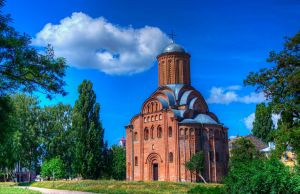 Pyatnitska church (Chernihiv) by roman-gp