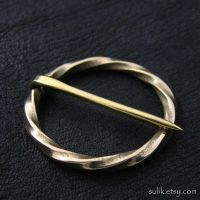 Bronze medieval round pin by Sulislaw