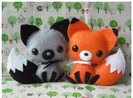 Two Tiny Fox Cubs by CocoaFantastic