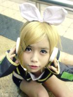 Kagamine Rin- VOCALOID cosplay by luci-vik