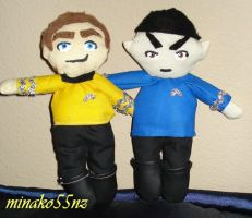 Kirk and Spock Plushies by minako55nz