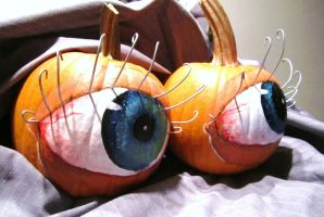 Pumpkin Eyes by seagnomes
