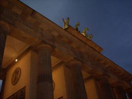 Brandenburger Tor 2 by B1GGzZ