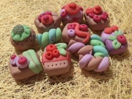 cake slides and bisquit fimo by elfaaa