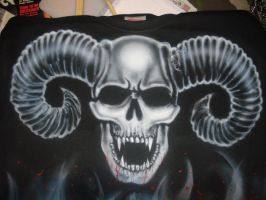 airbrush skull by CrazySid