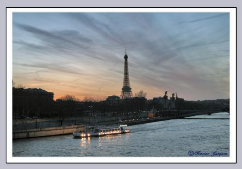 The Eiffel Tower by Avaloniteaa