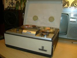 Grundig TK-140 by Quadrafox700