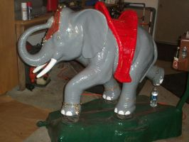 Lekan's Elephant by charlieblue666