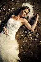 trash my dress IV ... by MoniqueDeCaro